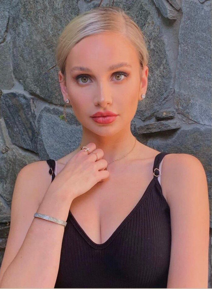 Bella Hadid